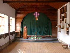 Inside the chapel, with Japanese style tatami floors. Photo by Hadrian Mar Elijah Bar Israel.