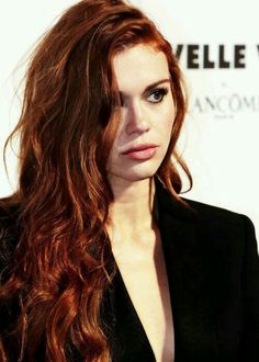 Holland Roden attends the Nouvelle Vague By Lancome party in Paris Auburn, Lydia Martin, Pretty People, Beautiful People, Ginger Hair, Girl Crushes, Her Hair, Redheads, Hair Inspiration