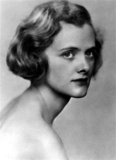 Daphne du Maurier 'overlooked' by literary critics, her son says - Telegraph