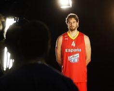 © Instantánea y Tomaprimera. Mahou con la Selección Española de Baloncesto. Pau Gasol.