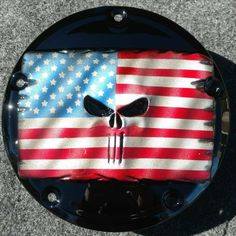 Harley-Davidson derby clutch cover with American flag and punisher Harley Davidson Motorcycles, Punisher, American Flag, Derby, Helmet, 3d, Cover, Artwork, Classic