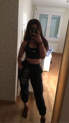 Cute Lazy Outfits, Summer Outfits For Teens, Sporty Outfits, Teen Fashion Outfits, Swag Outfits, Retro Outfits, Stylish Outfits, Cute Girl Photo, Girl Photo Poses