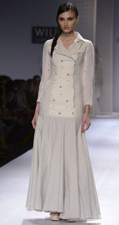 Hand woven jamdani long dress by RAHUL MISHRA. http://www.perniaspopupshop.com/wills-fashion-week/rahul-mishra #fashionweek #willslifestyleindiafashionweek