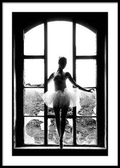 Window Ballet Poster i gruppen Posters / Storlekar / hos Desenio AB Black And White Posters, Black And White Pictures, Black White, Pink Paris, Buy Posters Online, Online Art, Ballet Photography, White Photography, Monochrome Photography