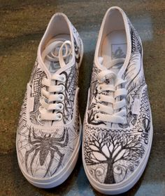 Womens Basic Zentagle Toms: Custom Zentangled Shoes Made to Order from ZenTangled on Etsy. Saved to Shoes. Doodle Shoes, Sharpie Shoes, Hand Painted Shoes, Shoe Art, Custom Shoes, Sock Shoes, Designer Shoes, Toms, Sneakers