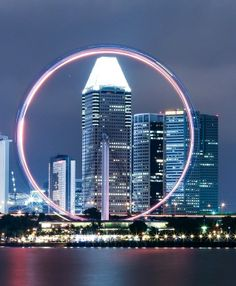 The Singapore Flyer is currently the world's largest observation wheel Singapore Travel Tips, Visit Singapore, Great Places, Places To See, Beautiful Places, Singapore Attractions, Vietnam, Travel Baby Showers, World Travel Guide