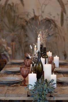 Shooting d'Inspiration réalisée par les étudiantes à l'école Jaelys de Paris en Bachelor Chef de projet wedding planner. Lieu @fermedarmenon Photographe @k.sonz - Mannequins @clothildeggn @agatherbd - MUA @laureenpilotmakeup Costumes @cymbeline - Wedding Cake @lili_and_clo - Fleuristes @yuqing.vfloral @jing__wang__ @eunice_pi Matériels @artis_evenement @maison_options @thewestinparis Équipe @ev.__events @batoulwedding @presci_wpevents @myeventwe_dding @marieangelique525 Formation Wedding Planner, Paris, Inspiration, Table Decorations, Home Decor, Weddings, Biblical Inspiration, Montmartre Paris, Decoration Home