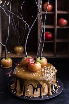Salted Caramel Apple Snickers Cake Looking for a fall dessert to die for? This Salted Caramel Apple Snickers Cake from will have your guests salivating at first sight! Dulces Halloween, Dessert Halloween, Halloween Food For Party, Halloween Cakes, Halloween Treats, Spooky Halloween, Halloween Dinner, Halloween Apples, Halloween Baking