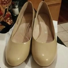 "Rockport nude heels size 11 Worn once, heel height 1.5"" approx. Part of logo on inside right foot messed up from a sticker. Box included. Rockport Shoes Heels"