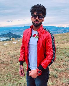 Stylish Mens Outfits, Stylish Boys, Punjabi Profile Pic, Beard Haircut, Aesthetic Eyes, Black Background Images, Cute Boys Images, Boy Photography Poses, Boys Dpz