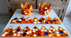 Kroon Koningsdag Diy Crown, Creative Kids, Holland, Activities For Kids, Fairy Tales, Kids Rugs, Holiday, Christmas Cards For Kids, Daycare Rooms