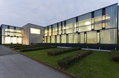 10-Glas-Italia-Headquarters-by-MGrassi-Exterior-night.jpg (1500×981)