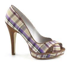 Azienda toscana produttrice di calzature fashion ed accessori di tendenza. Il marchio comprende scarpe da donna, scarpe da uomo, borse ed accessori