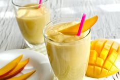 Mango Smoothie Healthy 5 Healthy Fruit Smoothies to Make Your Day Mango Smoothie Healthy. Craving for the perfect smoothie – healthy and sinfully delicious? Fruit Smoothies, Mango Smoothie Healthy, Smoothies Vegan, Mango Smoothie Recipes, Mint Smoothie, Turmeric Smoothie, Avocado Smoothie, Smoothie Glass, Healthy Protein