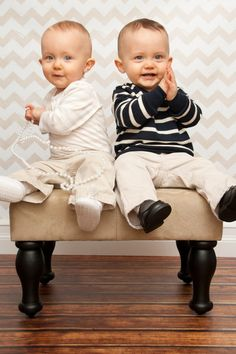photo ideas for one year old twins | Photography Ideas :) / One year old photo shoot-twins! I know these ...