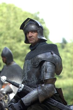 Richard Neville, 16th Earl of Warwick - James Frain in The White Queen (TV series 2013).