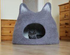 Cat cave - Agnes felt