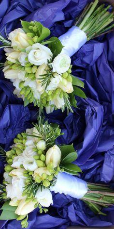 WHITE BRIDESMAID'S BOUQUET'S