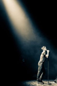 Adam Levine <3 Don't miss The Honda Civic Tour: Maroon 5 with special guest, Kelly Clarkson - this summer!! Click to get tix.
