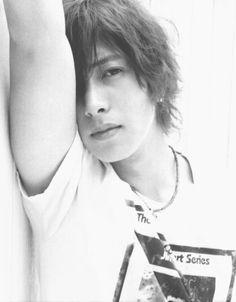 Photo of Yamapi★ for fans of Yamashita Tomohisa 31983203 Kento Nakajima, Imaginary Boyfriend, Gackt, Ideal Man, Bishounen, Kdrama Actors, Japanese Men, Korean Artist, Visual Kei