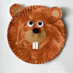 These easy and fun Groundhog Paper Plate Kids Craft are perfect for celebrating winter. Will the groundhog see his shadow this year or will we have a few more weeks of winter? Daycare Crafts, Classroom Crafts, Toddler Crafts, Preschool Crafts, Kids Crafts, Preschool Learning, Preschool Ideas, Teaching Ideas, Craft Ideas