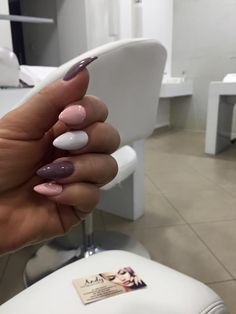 Pink viola and white Get Nails, Love Nails, Pretty Nails, Hair And Nails, Spring Nails, Winter Nails, Autumn Nails, Nails Inspiration, Beauty Nails