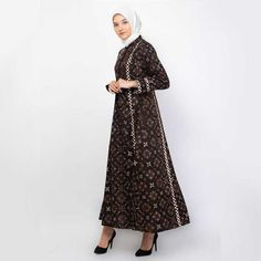 62 Model Gamis Batik Terbaru Populer 2020 – CuanLagi.Com Kebaya Muslim, Model, Dresses, Fashion, Mathematical Model, Vestidos, Moda, Gowns
