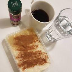 Ris (överkokt) + Njie propud vanilj + äppelmos/hallon/jordgubbssylt + kanel #protein #risgrynsgröt #myfood #myrecipe byolsen #gröt #proteinpudding #lågkalori #hallonsylt