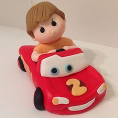 Cars figurine by tatlibirseyler Fondant Toppers, Custom Cake Toppers, Fondant Cakes, Cake Pops, Mini Tortillas, Baby Birthday Cakes, Biscuit, Fondant Tutorial, Modeling Chocolate