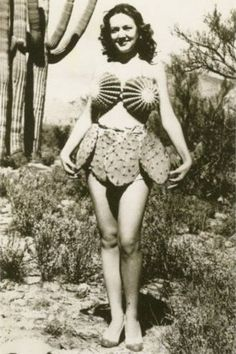 Here are some vintage photos of model Merri Chiochetti wearing a cactus bikini in Arizona, The backstory is that the Tucson Sunsh. Funny Vintage Pictures, Vintage Photos, Retro Pictures, Cactus Costume, Trendy Swimwear, Mädchen In Bikinis, Weird Fashion, Gothic Fashion, Life Magazine