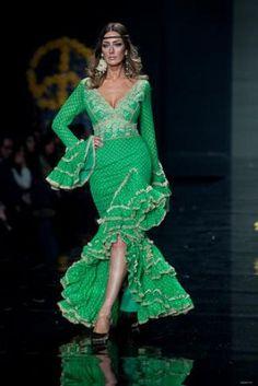 """Colección """"La Magia de las Flores"""" por Aurora Gaviño - Buscar con Google Dance Outfits, Dance Dresses, Dress Outfits, Fashion Dresses, Flamenco Dresses, Flamenco Costume, Costume Dress, Costume Ethnique, Spanish Dress"""