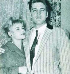 Elvis mit seiner Begleitung Margit Buergin in der Herrnmühle