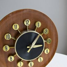 Wood Grained Atomic Wall Clock by Spartus by BarkingSandsVintage