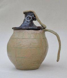 Ceramiczny kubek/pojemnik.