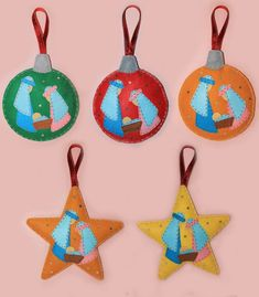 cocodrilova: nacimientos de regalo a profesores Felt Christmas Decorations, Felt Christmas Ornaments, Christmas Holidays, Christmas Crafts, Merry Christmas, Felt Diy, Felt Crafts, Diy Crafts, Holiday Themes
