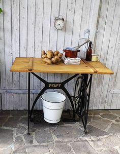 Vintage Tische - herrlicher Beistelltisch ♥ Original ♥ Industrial♥ - ein Designerstück von Gerne_wieder bei DaWanda #table #tisch #vintage #industrial