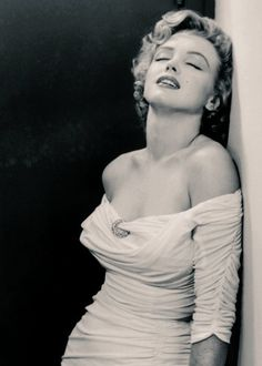 Marilyn Monroe by Philippe Halsman, ° by grignjr Arte Marilyn Monroe, Marilyn Monroe Portrait, Philippe Halsman, Us Actress, Norma Jeane, Life Magazine, Hollywood Glamour, American Actress, Actors & Actresses