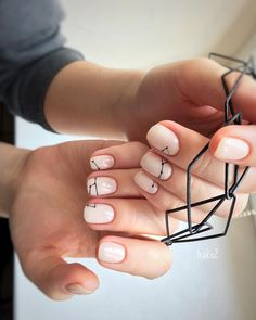 Want some ideas for wedding nail polish designs? This article is a collection of our favorite nail polish designs for your special day. Minimalist Nails, Cute Nails, Pretty Nails, Wedding Nail Polish, Natural Nail Designs, Gel Nails At Home, Modern Nails, Nagel Gel, Nail Design