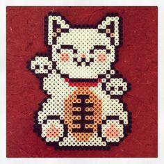 Maneki-neko perler beads by glamourfae Diy Perler Beads, Perler Bead Art, Pearler Beads, Fuse Beads, Hama Beads Patterns, Beading Patterns, Beaded Cross Stitch, Cross Stitch Patterns, Pixel Art