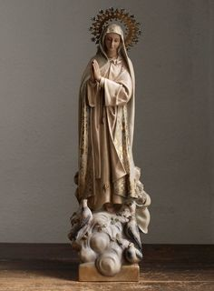 Etsy のOur Lady of the Holy Rosary of Fatima Virgin Mary Religious Statue Antique Art /662(ショップ名:GliciniaANTIC)