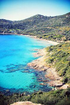 La Corse - Promenade du dimanche. Aujourd'hui je vous emmène entre Sagone et Cargèse, profiter d'une magnifique journée ensoleillée ✈ #VoyagerCpartager