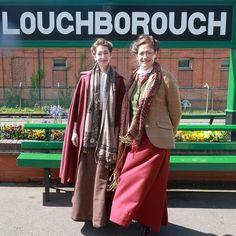 Mode Vintage, Vintage Style, Student Fashion, Medieval Dress, Steampunk Clothing, New Image, Vintage Dresses, Personal Style, Vintage Fashion