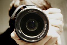 Aprende a centrar el punto de interés en tus fotografías con estas cinco recomendaciones. Por lo general, el objetivo primordial de la fotografía consiste en relatar hechos y dar fe de ellos a través...