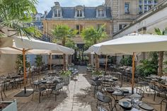 "There are around museums in Paris, France within city limits. This list also includes suburban museums within the ""Grand Paris"" area Outdoor Restaurant Patio, Terrace Restaurant, Restaurant En Plein Air, Paris In August, Resto Paris, Parisian Architecture, Belle Villa, Paris Design, Paris Restaurants"
