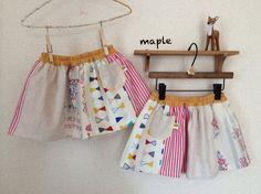 色々な色合いの四種類の生地を合わせて、春夏にぴったりのパッチスカートをお作りしました。こちらのスカートは写真1枚目の様に、ポケットを左右どちらにしても着用頂け...|ハンドメイド、手作り、手仕事品の通販・販売・購入ならCreema。