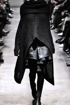 dreamsinmonochrome: Junya Watanabe - AW11 Runway | macabre | dark fashion | goth | obscure | high fashion