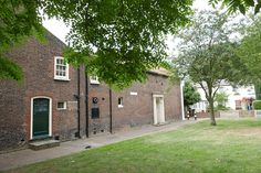walthamstow village, vestry house museum, church passage