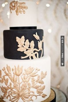 Brilliant! - black white and gold wedding cake, looks like embroidery.