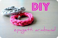 zpagetti armband {DIY} - Armband aus Baumwolle - Upcycling aus alten Shirts Neues gestalten - textiles Gestalten