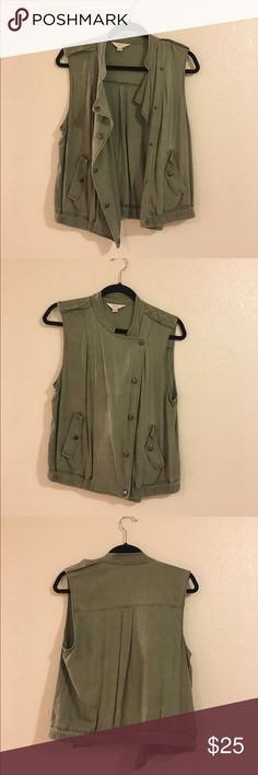 Distressed army green vest Super cute distressed button up army green vest in great condition! Purchased from a boutique, Urban Outfitters tagged for exposure! Urban Outfitters Jackets & Coats Vests